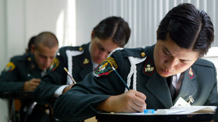 Capacitaci n a la polic a para mejorar atenci n en casos for Oficina policia nacional